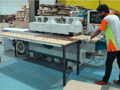 timber production machine for the production of solid wood and wood panel production machines