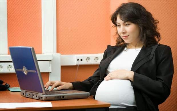 Kiat Agar Tetap Nyaman Bekerja di Kantor Saat Hamil Tua