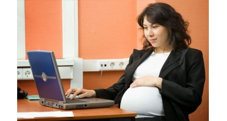Tips To Stay Comfortable Working In The Office While Pregnant